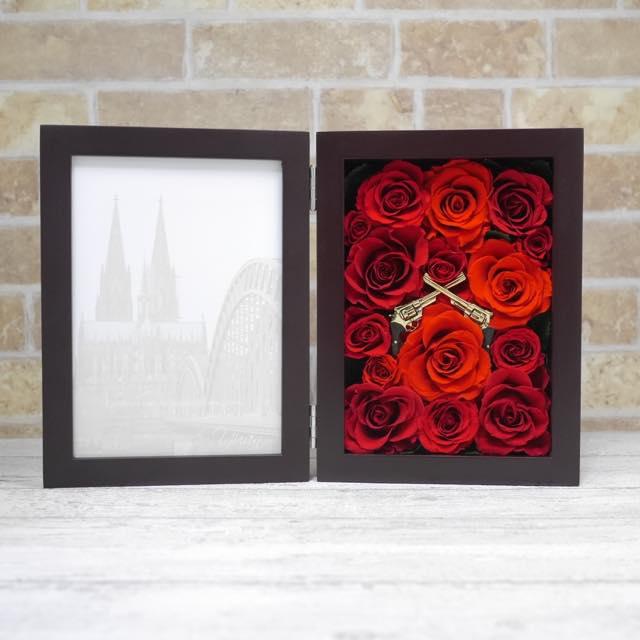 赤い薔薇のロックなフォトフレーム