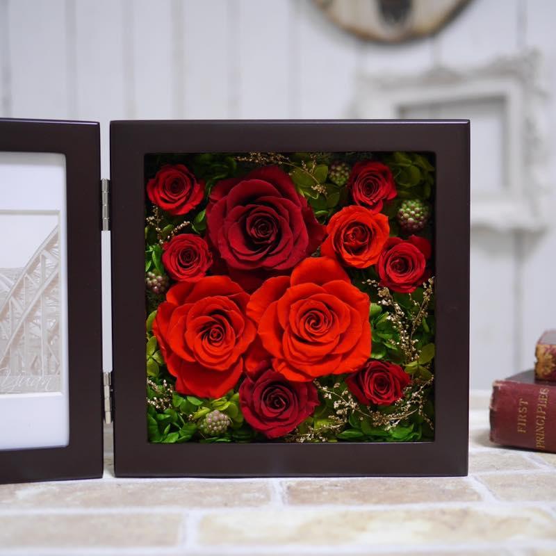 プリザーブドフラワー赤バラの写真立て