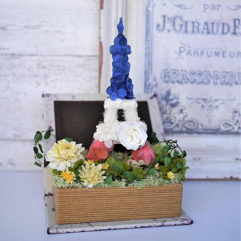 パリのエッフェル塔の花